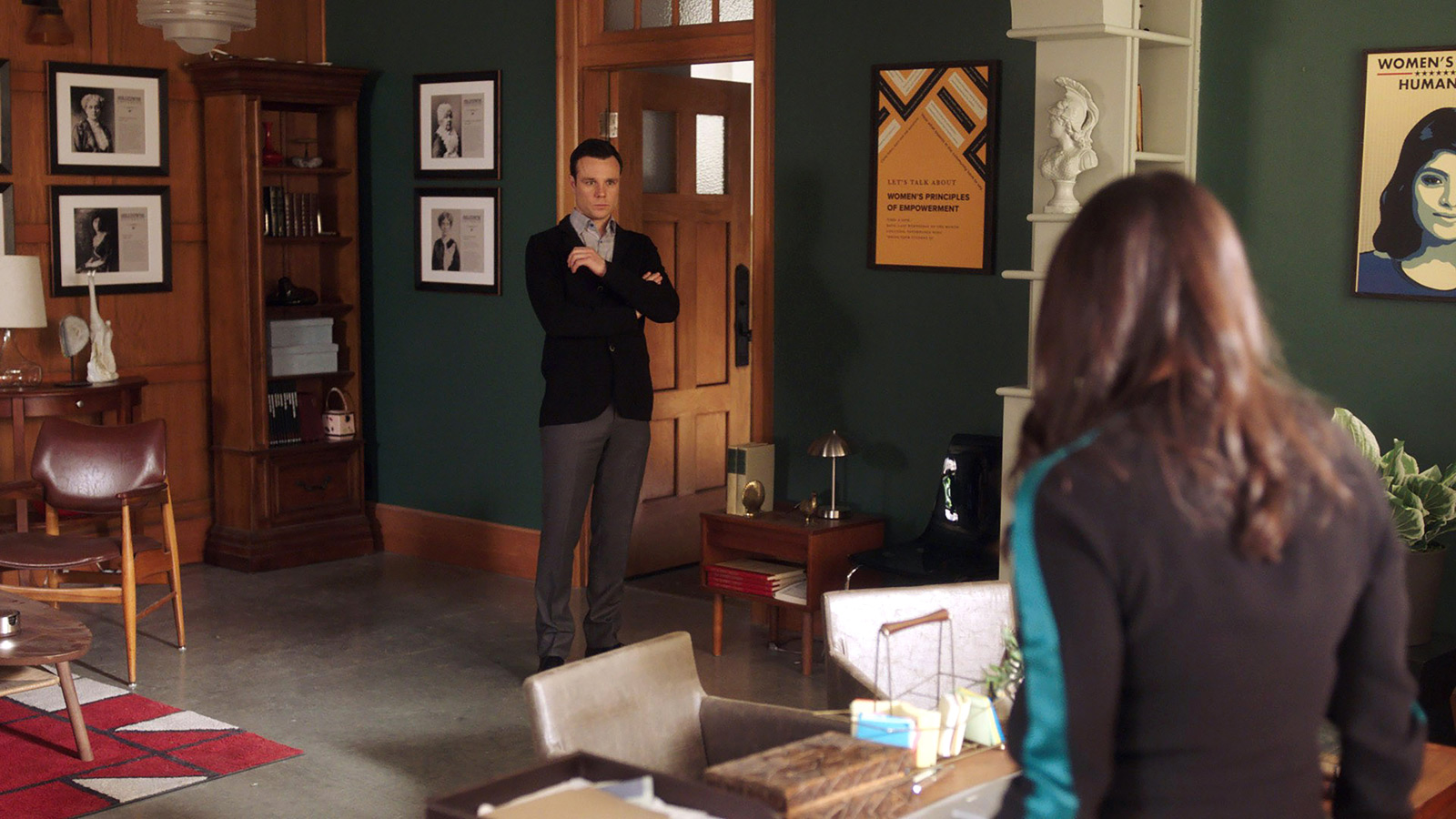 CHARMED: S1 - HARRY'S UNIVERSITY OFFICE - SCREEN STILL