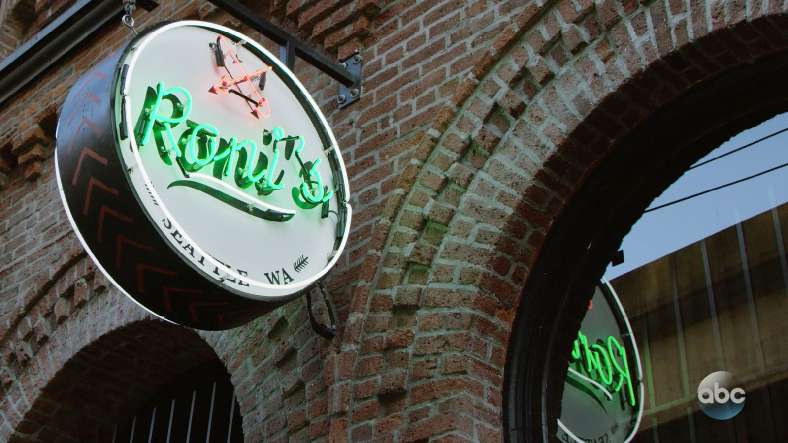 "ONCE UPON A TIME: S7 - ""RONI'S"" SEATTLE BAR - EXTERIOR NEON SIGN"