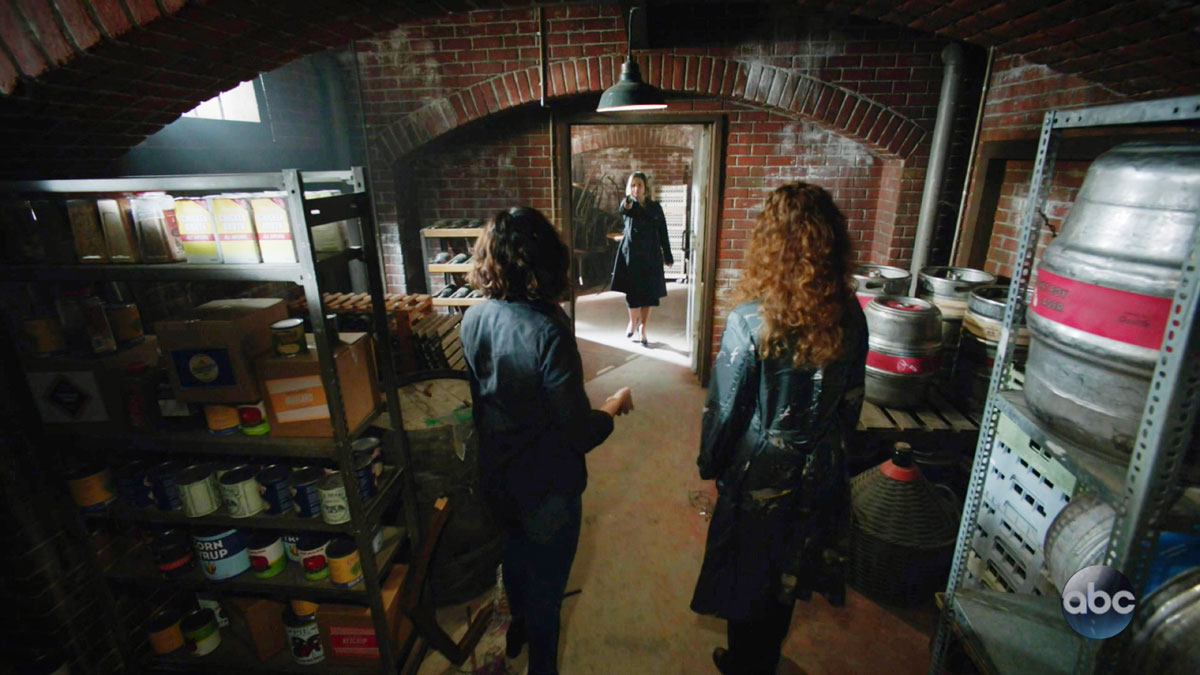 "ONCE UPON A TIME: S7 - ""RONI'S"" SEATTLE BAR (KEG CELLAR) - SCREEN STILL"