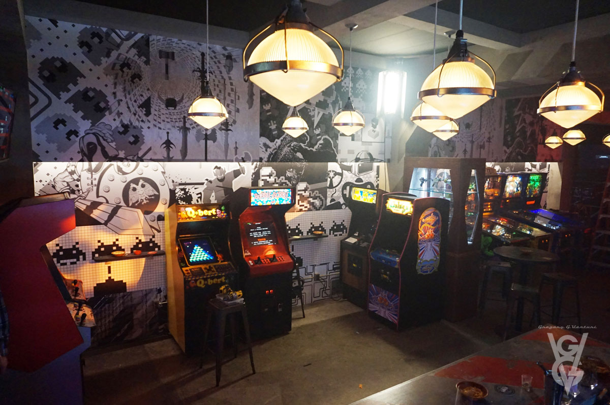 "ONCE UPON A TIME: S7 - ""FLYNN'S BARCADE"" - SET PHOTO"