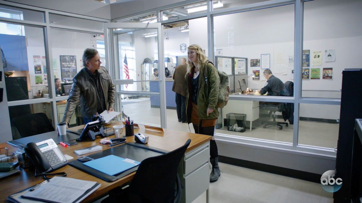 ONCE UPON A TIME: S7 - POLICE STATION – SCREEN STILL