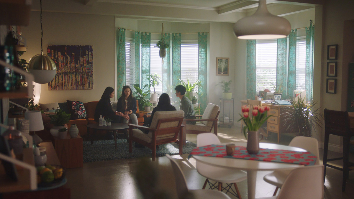 CHARMED: S1 - NIKO'S APARTMENT - SCREEN STILL