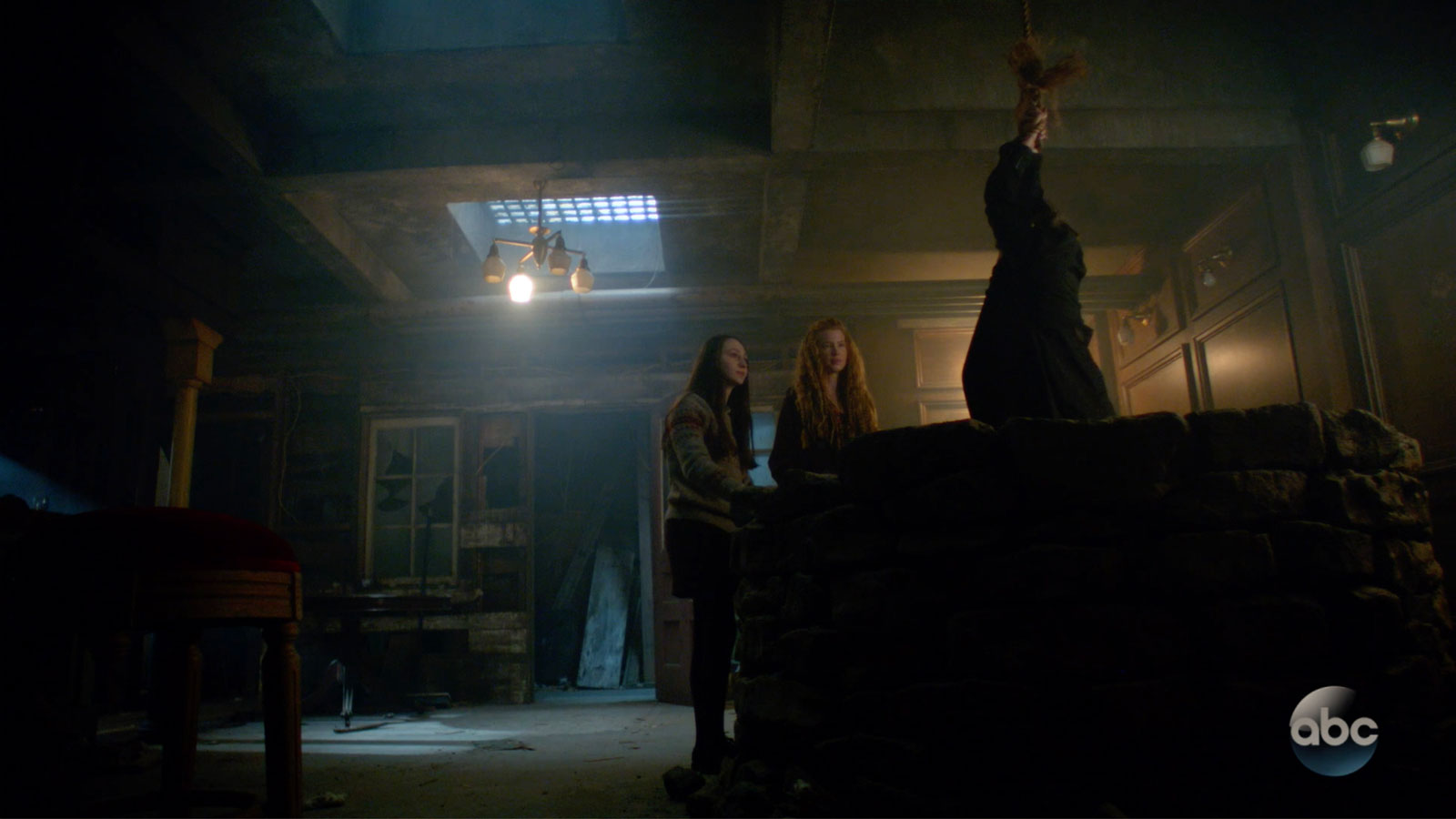 ONCE UPON A TIME: S7 - SEATTLE UNDERGROUND ABANDONED SPACE - SCREEN STILL